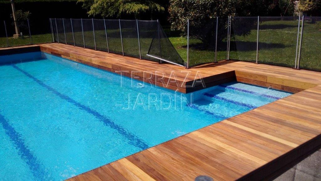tarima de madera para piscinas